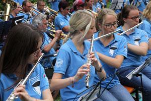Kellerkonzert mit über 40 Musikern
